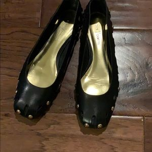 Vince Camuto Black & Gold flats, size 6.5